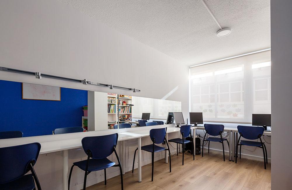 Clínica Ortofon - Reforma integral y diseño interior de local comercial